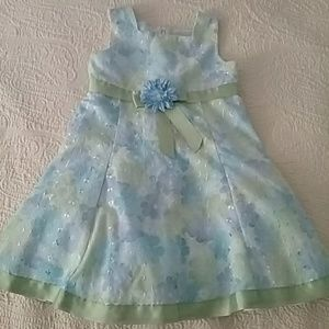 Beautiful special occasion dress size 4